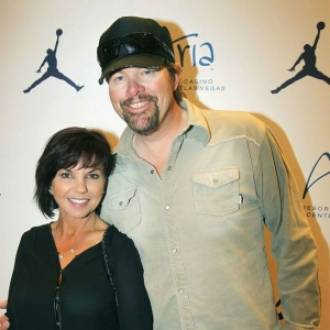 Toby Kieth and his wife