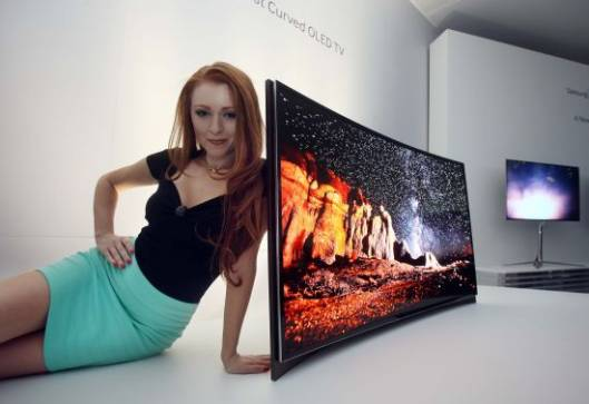 Samsung's debuts World's First Curved OLED TV offering Immersive Panorama Effect at CES 2013