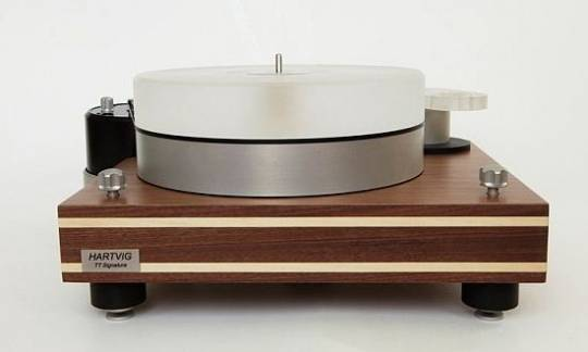 Hartvig TT Signature turntable
