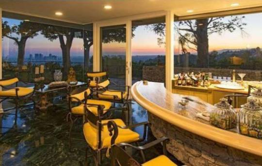 Elvis Presley's Beverly Hills home for sale