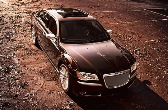 Chrysler 300 Luxury Series sedan