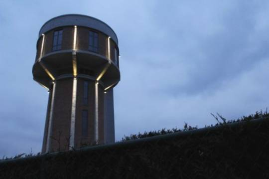 30m concrete high water tower into an opulent residence