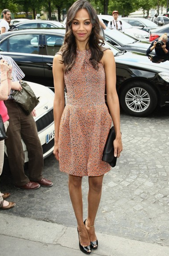 The dusky eyed American actress, Zoe Saldana carried this Envelope Satin Clutch for the Armani Prive' Show