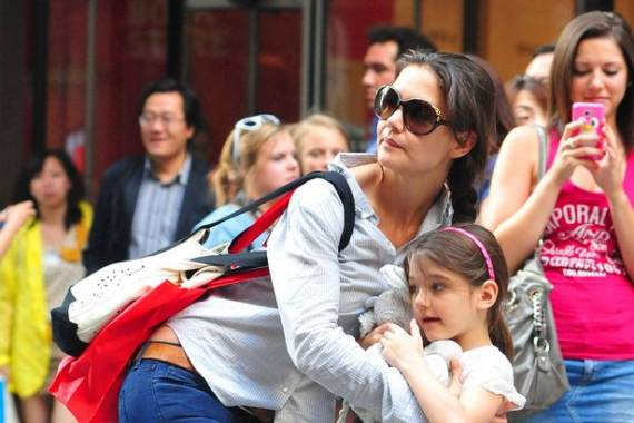 Katie Holmes supports Love Our Children USA