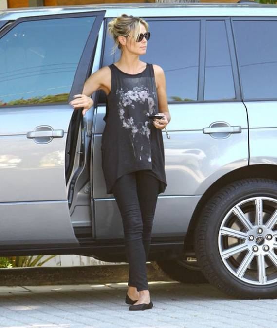 Heidi Klum drives Range Rover