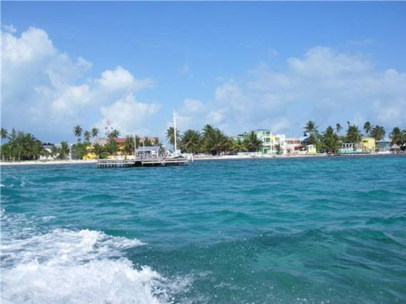 Largest private island in Belize