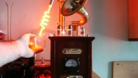 Steampunk plasma speaker marries modern tech with vintage design cues