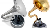 Trumstand horn-shaped iPhone speaker dock with gold and silver plating