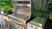 Kalamazoo Hybrid Fire Grill is the Ultimate Gas Grill that Cooks with Charcoal and Wood