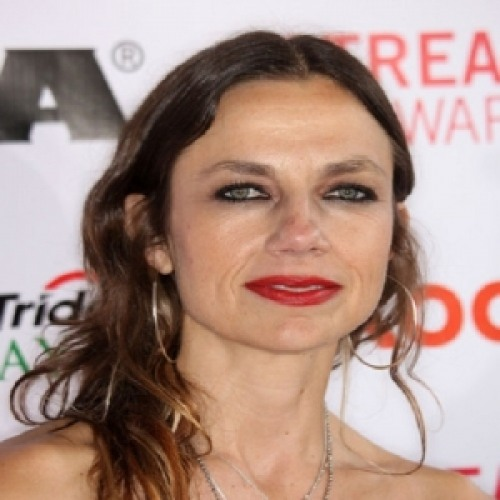Justine Bateman Net Worth - biography, quotes, wiki, assets, cars, homes and more