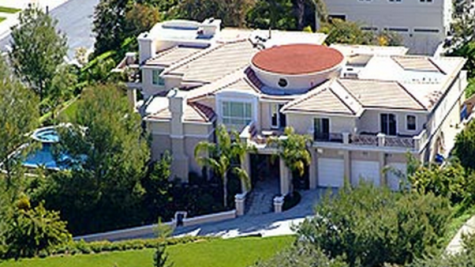 photo: house/residence of hot 150 million earning Beverly Hills, CA, USA-resident