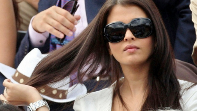 Aishwarya Rai Bachchan was spotted wearing the model 3025 Aviator sunglasses (not in this image) while she was enjoying a tennis match.