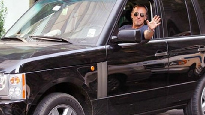 Bruce Springsteen drives Range Rover