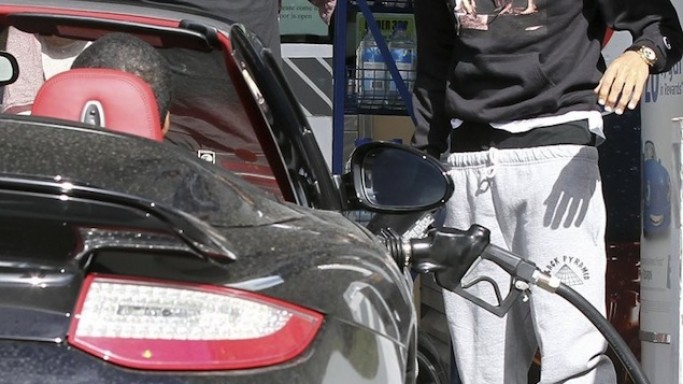 Chris Brown drives Porsche Turbo S