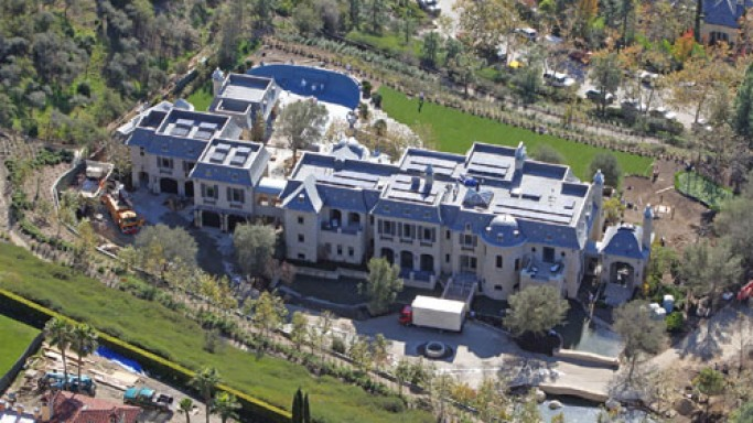Gisele Bundchen and Tom Brady's $20 million eco-luxurious mansion, Los Angeles