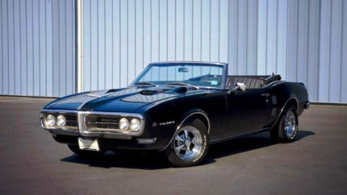 1968 Pontiac Firebird 400 car - Color: Black  // Description: graceful