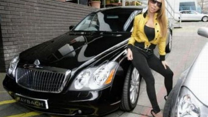 foto di Mariah Carey e Maybach 62 - dell auto
