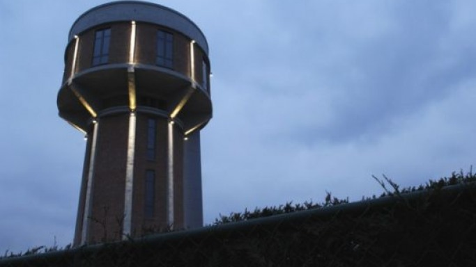 A WWII 30m high water tower in Nazi Europe turned into a luxury home
