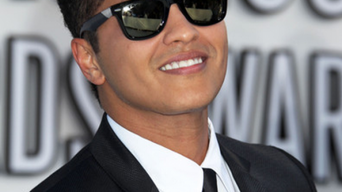 Bruno Mars donned the sporting Ray-Ban Original Wayfarer 2140 .