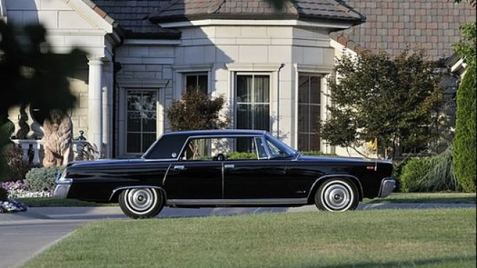 Pope Paul VI's 1966 Chrysler LeBaron Crown Imperial which received the Apollo 11's returning astronauts is up for sale