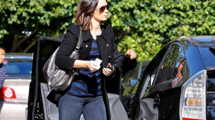 Emily Blunt drives Toyota Prius