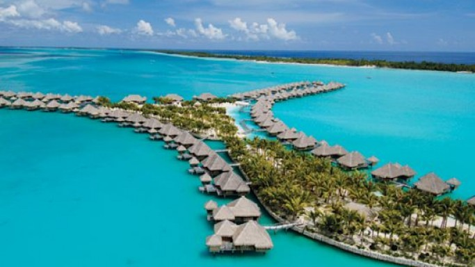 St. Regis Resorts, Bora Bora Offers The Ultimate Wedding Package worth $250k