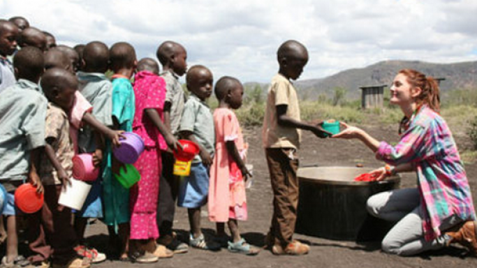 Drew Barrymore in Kenya for World Food Programme