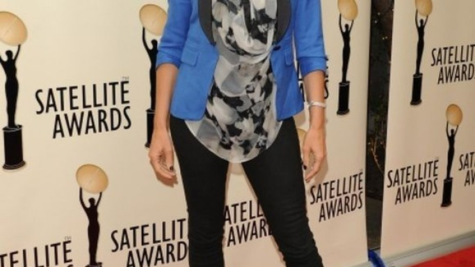 Cindy Crawford attended the International Press Academy of Beverly Hills Satellite Awards on the 2nd of May, 2012 wearing the super stylish colorblock blazer from Smythe.