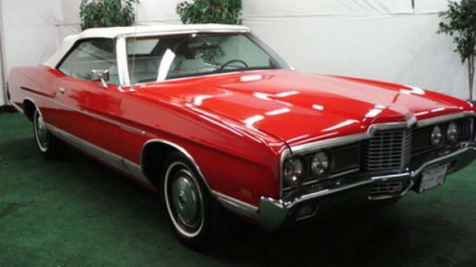 Basic Instinct star Sharon Stone decided to auction off her candy apple red colored 1972 Ford LTD Convertible in December 2009.