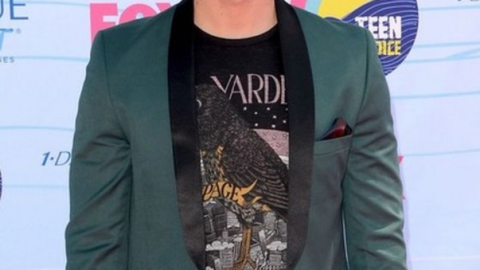 Joe Jonas wears John Varvatos Star USA Yardbirds Tee