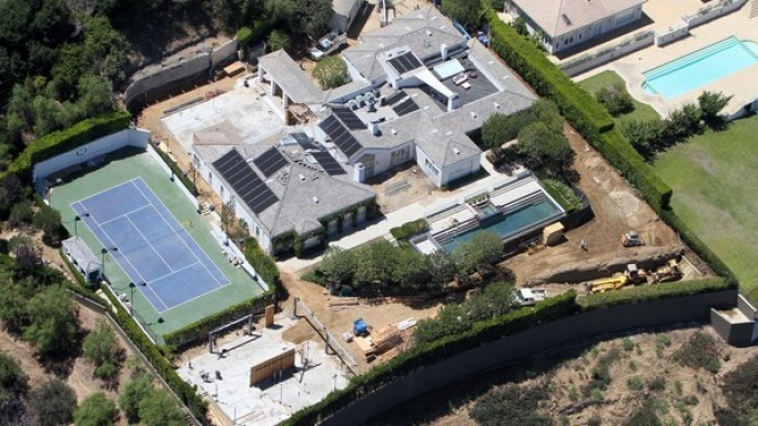 Gwen Stefani mansion in Crest Place, Hollywood Hills in Los Angeles, California