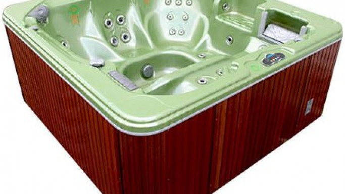Cal Spas Goes Green with Avalon 857L Series