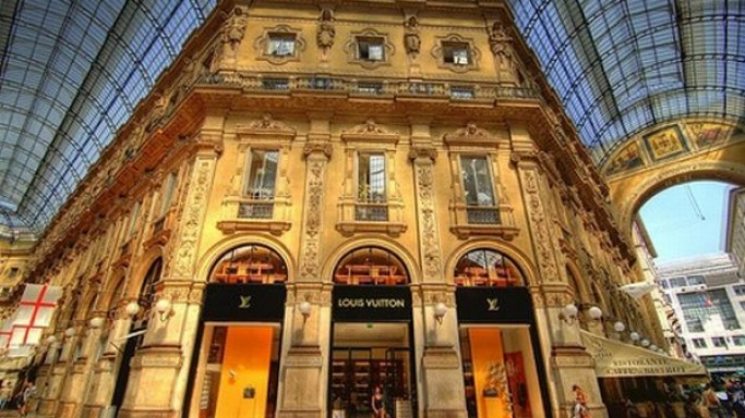 Luxury goods giant LVMH to take controlling stake in Bulgari
