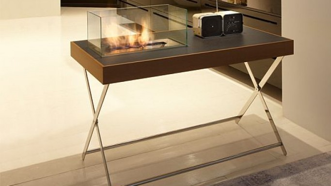 A workstation with integrated fireplace