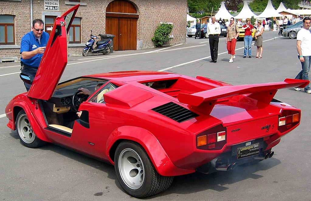 lamborghini countach lp500s bornrich price features luxury factor engine review top. Black Bedroom Furniture Sets. Home Design Ideas