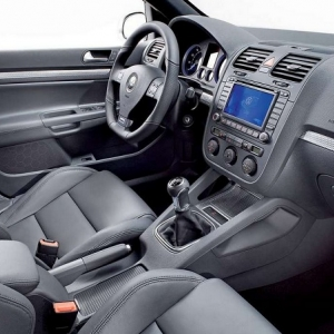 Volkswagen Golf R32 Interior